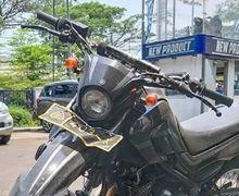 Netizen Kebingungan, Motor Trail Milik Polisi Parkir di Pinggir Jalan, Mesinnya Bikin Gagal Fokus