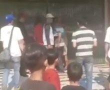 Jalan Tambak Mencekam, Video Dua Debt Collector Ketakutan Dikepung Warga dan Nyaris Dikeroyok, Nekat Rampas Motor Korbannya