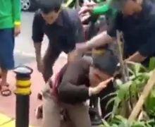 Ciputat Berdarah, Maling Motor Tewas Mengenaskan di Tangan Warga, Pelaku Dipenuhi Luka Bacok di Bagian Wajah dan Pundak