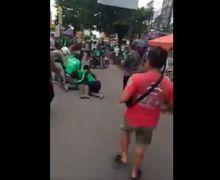 Brutal! Debt Collector Tembak Driver Ojol di Tengah Jalan, Korban Terkapar Suasana Langsung Mencekam