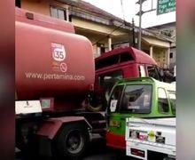 Warga Berhamburan, Tabrakan Beruntun Libatkan 8 Kendaraan, Kasatlantas Polresta Bogor Terjepit di Dalam Mobil