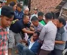 Kejar Motor Kredit Debt Collector Tabrak Lari Siswi Terkapar di Aspal Akhirnya Tertangkap Masa Beringas