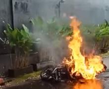 Bikers Wajib Waspada, Kebiasaan Sepele Ini Bisa Memicu Motor Terbakar dan Meledak Saat Isi Bensin
