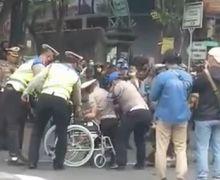 Video Detik-detik Kapolda Metro Jaya Grebek Juru Parkir Disabilitas Berseragam Polisi, Jalanan Cileduk Langsung Macet