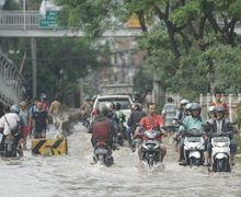 Banjir Bikin Motor Harus Cepat Dicuci, Sembarangan Beli Sampo Cuci Motor Bisa Bahaya
