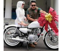 Ridwan Kamil Kasih Kado Kawasaki W175 Buat Istri, Cuma Buat Sendirian