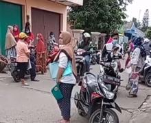 Video Pemotor Ramai Antri Mengambil Bantuan Pemerintah Rp 300 Ribu