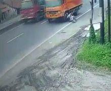 Gagal Menyalip, Truk Malah Sundul dan Lindas Pemotor di Tegal