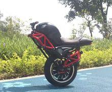 Wuih Motor Listrik Baru Mirip Ducati Monster, Harganya Cuma Segini