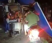 Viral Video Angkringan Drive Thru Selama PPKM Darurat, Pemotor Ramai Antre