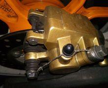 Di Motor Balap, Fungsi Kawat Seperti Ini Berhubungan Dengan Nyawa