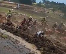 Walah! Mirip Kubangan Kerbau, Pembalap Motocross Ini Tumbang Satu Persatu Simak Videonya