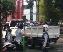Masih Bandel Parkir di Trotoar Tanah Abang, Belasan Motor Diangkut Dishub Jakarta Pusat