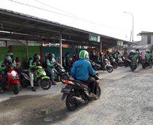 Jadi Biang Kemacetan, Dishub DKI Jakarta Akan Bangun Shelter Untuk Ojol di Stasiun Manggarai