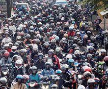 Bener Engga Sih, Motor di Jakarta Biang Polusi Dibanding Bus Kota?