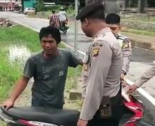 Mau Ketawa Takut Dosa, Pemotor Nangis Sesegukan Saat Ditilang di Kalbar, Polisi Kebingungan