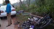 Tabrakan Maut, Pemotor Terlibat Kecelakaan dengan Mobil, 3 Orang Tewas di Tempat