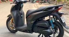 Honda SH300i Kelihatannya Sih Standar, Pasti Melongo Setelah Lihat Spare Part yang Terpasang