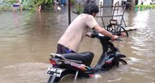Motor Kebanjiran, Oli Motor Jadi Mirip Kopi Susu, Kok Bisa?