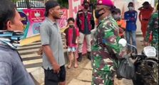 Berani Banget, Video Pemotor Adu Mulut Sampai Tantang Anggota TNI Karena Diperingatkan Tidak Pakai Masker