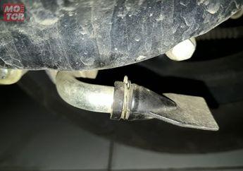 Pernah Lihat Pipa Yang Ditutup di Cover CVT Motor Matik? Ini Kegunaannya..