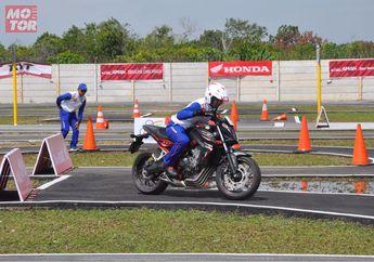 Ini Dia 6 Orang Paling Aman Naik Motor di Indonesia Versi Honda! Wow Ada Cewek..