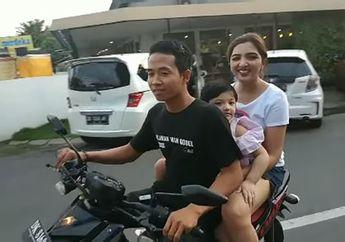 Wuih! Video Artis Ashanty Pakai Hotpants Naik Motor Ajak Anak Keliling Bali