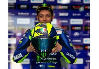 Selama 11 Tahun, Helm Valentino Rossi Selalu Dicat Orang Ini