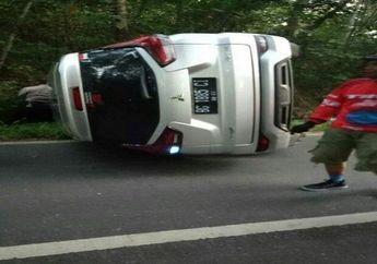 Tragis, Adu Banteng Xpander Lawan Honda BeAT, Pemotor Tewas Tersangkut di Pohon