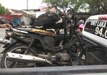 Tragis! Dua Pengendara Beserta Motornya Ludes Terbakar, Begini Ceritanya