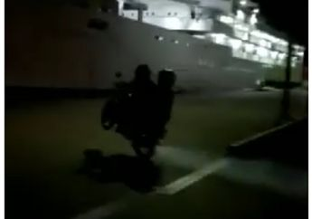 Kasihan Banget, Detik-detik Pasutri Terjun Bebas Ke Laut Naik Motor Yamaha RX-King