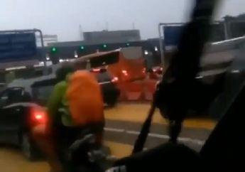 Kejadian Lagi, Video Bule Naik Motor Terobos Jalan Tol, Pengendara Mobil Kebingungan