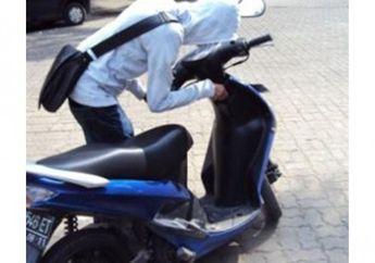 Kurang Dari 50 Detik,Honda Beat Berhasil Dibawa Kabur Maling Motor Setelah Sholat Idul Fitri