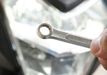 Cukup Bermodalkan Kunci 8 Setel Sorot Lampu Depan Honda Supra GTR 150