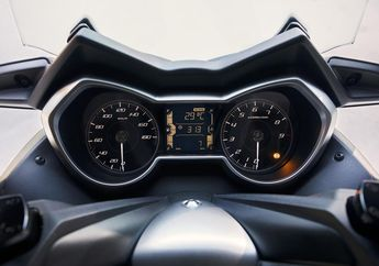 Mau Pasang Speedometer Yamaha XMAX 400 di Yamaha XMAX 250? Siapin Dana Segini