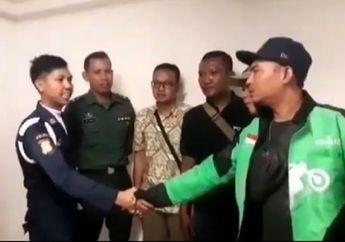 Disaksikan TNI dan Polisi, Bentrok Pengojek Online dan Satpam di Kota Kasablanka Berakhir Salaman