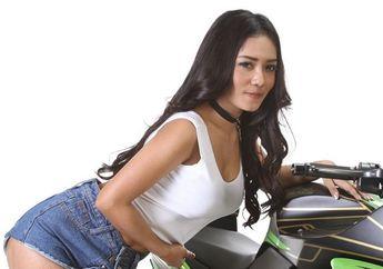 """Blak-blakan Shinta Dyan Ayu: """"Aku Pernah Naik Motor Telanjang, Seru Banget""""..."""