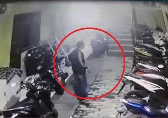 Kasihan, Lagi Bersihkan Sampah Motor Petugas UPK Badan Air Digondol Maling, Aksi Pelaku Terekam  CCTV