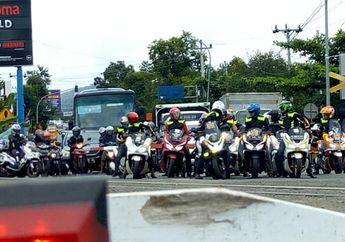Hukuman Berat Biker Honda PCX 150 yang Arogan Stop di Depan Pintu Palang Kereta Api