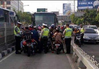 Bikers Masih Bandel, Polisi Lakukan Razia Motor Masuk Jalur Busway dan Lawan Arah