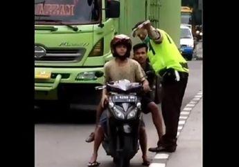 Viral! Video 2 Polisi Keroyok Pria Karena Memvideokan Aksi Pungli di Jalan Raya, Ponsel Dirampas