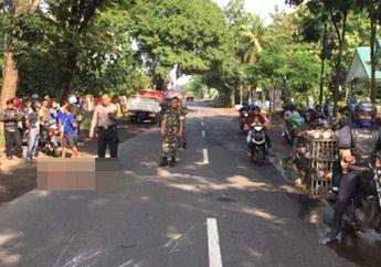 Pemotor Jatuh Habis Tabrak Mobil yang Ngerem Mendadak, Langsung Dihantam Truk Tronton dari Lawan Arah