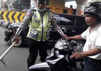 Video Polisi Menangkap Basah Driver Ojol dan Sopir Gara-gara Merokok