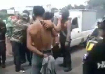 Parah, Video Demonstran Nekat Tampar Polisi di Makassar, Pemotor Langsung Minggir Ketakutan