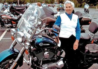 Jangan Mau Kalah Bro, Nenek 93 Tahun Masih Doyan Riding Motor Harley-Davidson