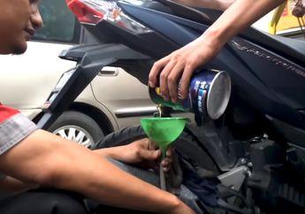 Hati-hati Bro, Ini Efeknya Kalau Ganti Oli Mesin Saat Kondisi Motor Masih Panas