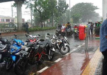 Street Manners: Persiapan Memasuki Musim Hujan, Bikers Harus Paham Istilah Aqua Planning