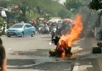 Video Detik-detik Motor Pengangkut Tabung Gas Terbakar, Jalanan Mendadak Sepi, Warga Ketakutan