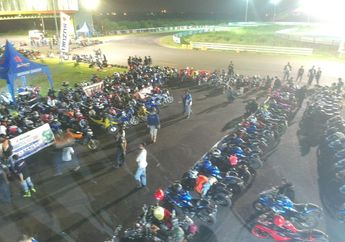 400 Bikers Suzuki Ramaikan Suzuki Saturday Night Ride di Surabaya