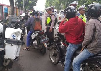 Street Manners: Jangan Sampai Jadi Korban, Kenali Ciri-ciri Polisi Gadungan di Jalan Raya